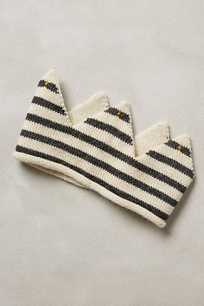 knit play crown