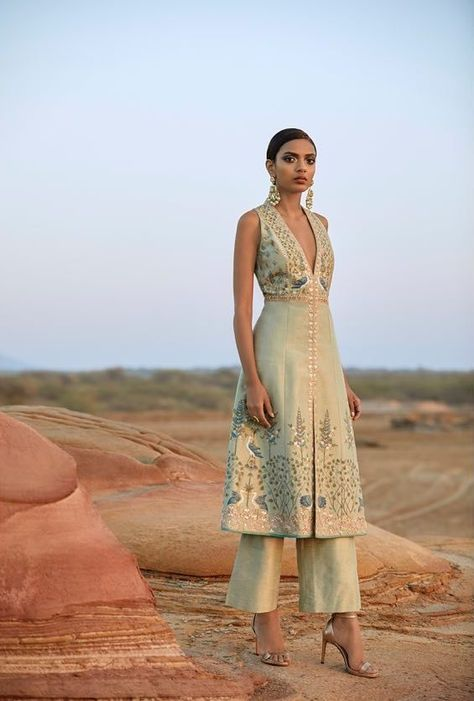 15 Anita Dongre Lehengas For Spring Summer 2019 + PRICES is part of Indian fashion trends - New 2019 spring summer Anita Dongre Lehengas are here Check out 15 gorgeous hand painted lehengas launched in this limited edition Anita Dongre, Indian Fashion Trends, Asian Fashion, Ethnic Fashion, Indian Inspired Fashion, Women's Fashion, 2000s Fashion, Jeans Fashion, Color Fashion