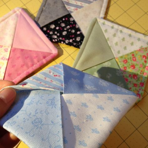 Just a short and sweet post to share these coasters I made for a dear friend this holiday season. They're charm pack friendly, and no binding required. If you use a layer cake instead of char… Charm Pack Quilt Patterns, Mug Rug Patterns, Charm Pack Quilts, Quilted Coasters, Fabric Coasters, Small Sewing Projects, Sewing Crafts, Quilting Tutorials, Quilting Projects