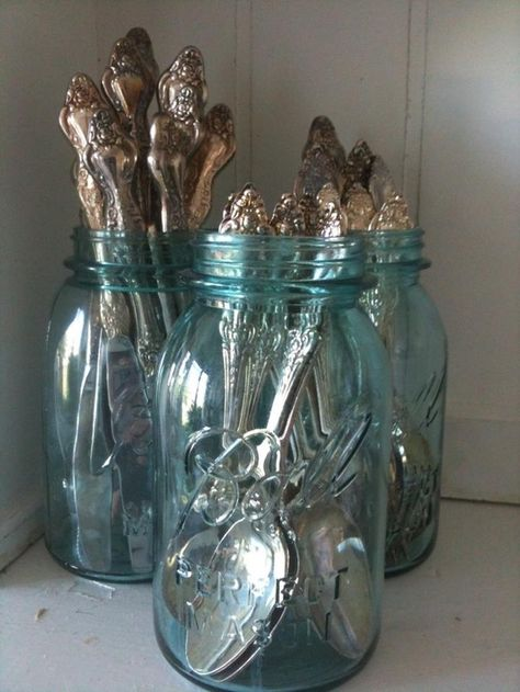 Fancy silverware in aqua mason jars! I have some fancy silverware that was passed down to me, now I know what to do with them! 22 Creative & Decorative Uses for Mason Jars