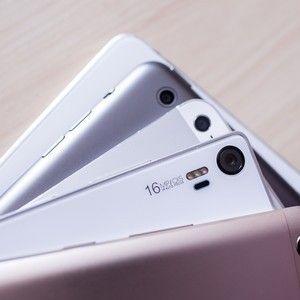 Cinq Smartphones A Moins De 200 Euros Smartphone Galaxy Phone Samsung Galaxy Phone