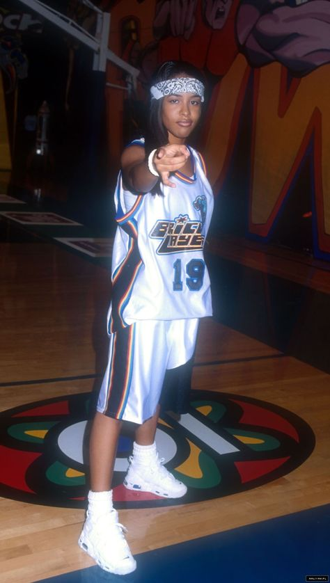Came To Give Love — Aaliyah at MTV Rock'n'Jock Basketball (Part ½)....