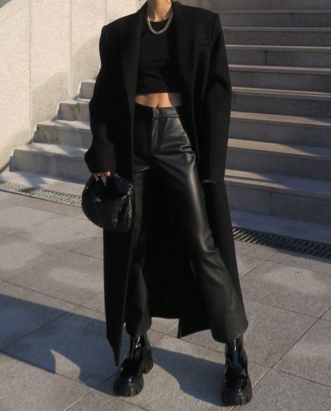 모듀스 Mode Outfits, Winter Outfits, Casual Outfits, Fashion Outfits, Womens Fashion, Trendy Black Outfits, Urban Style Outfits, Travel Outfits, Looks Dark