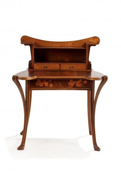 Louis Majorelle Toul 1859 1926 Nancy Primeveres Bureau De Dame En Noyer L Europe De L Art Nouveau Chez Millon Et Associes Paris Auction Fr