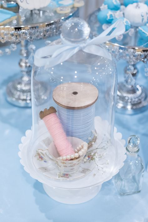 Cinderella Centerpiece - Are you planning a Cinderella Themed Quinceañera? Check out this lucky Quince Queens Party for tip - Cinderella Sweet 16, Cinderella Baby Shower, Cinderella Birthday, Cinderella Wedding, Disney Sweet 16, Cinderella Quinceanera Themes, Quinceanera Planning, Quinceanera Party, Sweet 16 Decorations