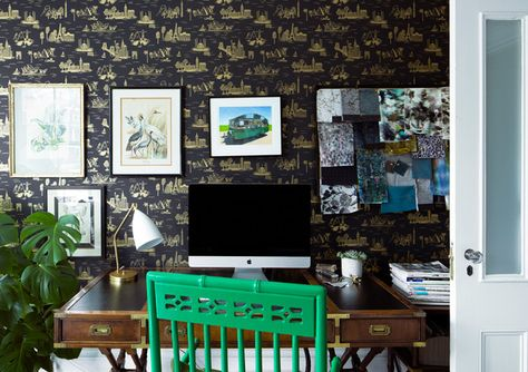 Sit Down - A Designer's Home That Takes Wallpaper To The Next Level - Photos