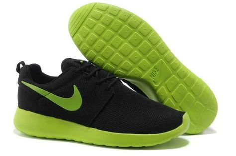 e2b1d34229f3b UK Trainers Roshe One