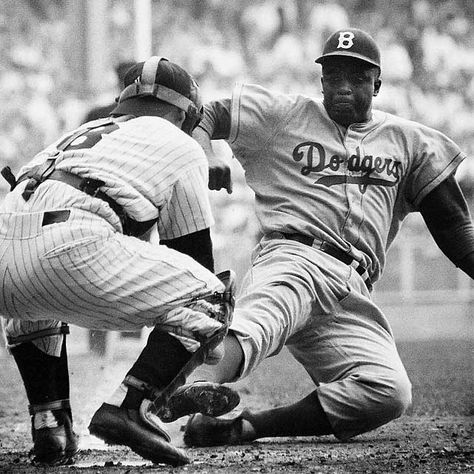 Jackie Robinson steals home - 76 Great Moments in Sports - Photos -