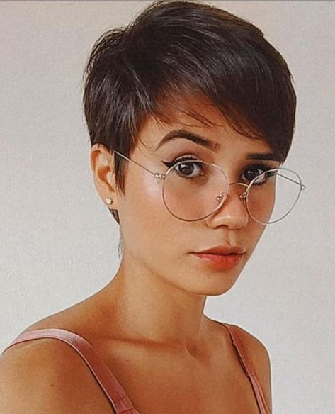Short Hair Cuts For Women, Short Hairstyles For Women, Wig Hairstyles, Short Hair Styles, Straight Hairstyles, Tomboy Hairstyles, Pixie Cut Kurz, Pixie Cut Wig, Pixie Cut Color