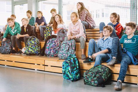 Pierwsze Dni Szkoly Juz Za Nami Jesli Brakuje Wam Jeszcze Artykulow Szkolnych Sprawdzcie Nasze Najnowsze Promocje Http Vera Bradley Backpack Backpacks Bags