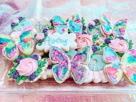 It's a Butterfly Birthday Party! Grandpa Birthday Gifts, Mom Birthday Crafts, 90th Birthday Gifts, Girls Birthday Party Themes, First Birthday Decorations, 1st Birthday Girls, First Birthday Parties, First Birthdays, Birthday Bash