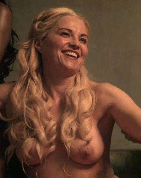 zvezdi-podglyadivanie-erotika-video-porntrni-devushka-konchaet-na-litso