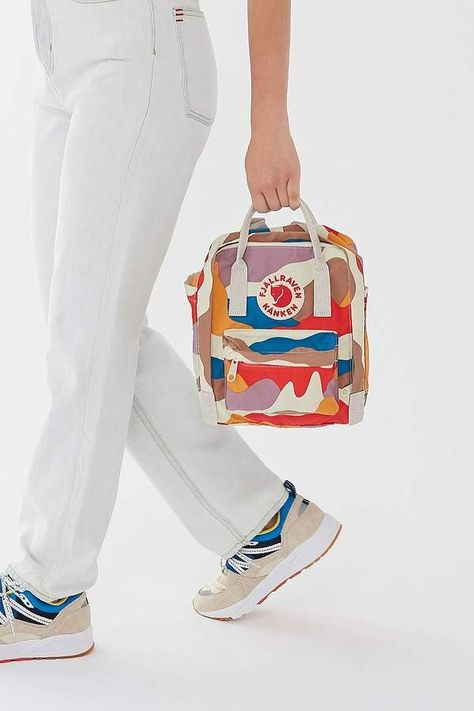 Shop Urban Outfitters for the latest styles in women's bags, wallets & backpacks. Whether you need a going out clutch, or an everyday tote we've got it all.