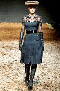 McQ Alexander McQueen Fall 2012 Ready-to-Wear Fashion Show - Emilia Nawarecka