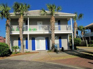 Brilliant Rent This 5 Bedroom House Rental In Destin For 250 Night Home Remodeling Inspirations Basidirectenergyitoicom