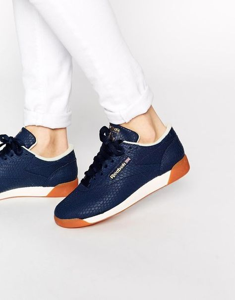 Buy Reebok Lo Reptile Print Trainers at ASOS. Get the latest trends with ASOS now.