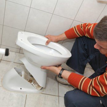 How To Fix A Toilet That Won T Flush Well Toilet Repair Leaking