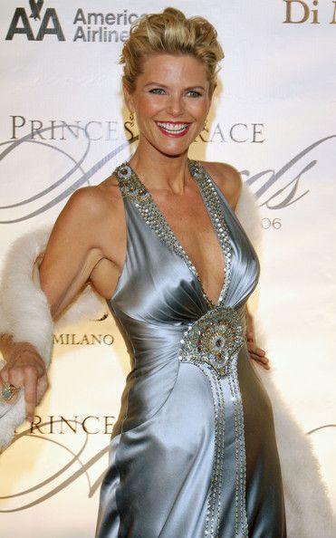 Christie Brinkley   I love this dress