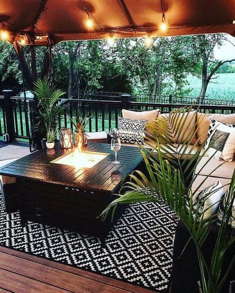 The Happiness of Having Yard Patios – Outdoor Patio Decor Home And Garden, Outdoor Decor, Outdoor Space, Outside Living, Backyard Decor, Patio Design, Deck Decorating, Exterior Design, Outdoor Rugs Patio