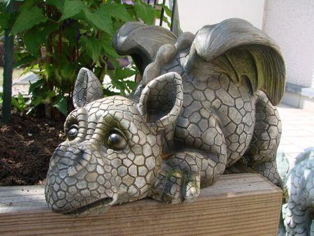 Drachenkind Mit Solar Laterne Drache Figur Gargoyle Gartenfigur Garten Drachen Gargoyls Drachen Drachen Kinder Gartenfiguren