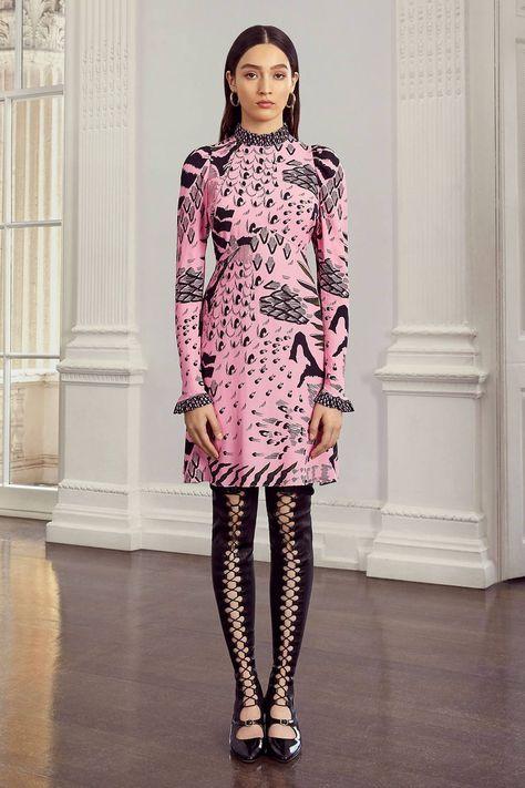 Temperley London Resort 2020 Fashion Show Collection: See the complete Temperley London Resort 2020 collection. Look 11