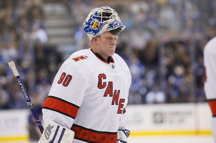 A 42 Year Old Zamboni Driver Wins In His N H L Debutblog Bit Ly 2wv6ncl In 2020 Nhl Goalie National Hockey League