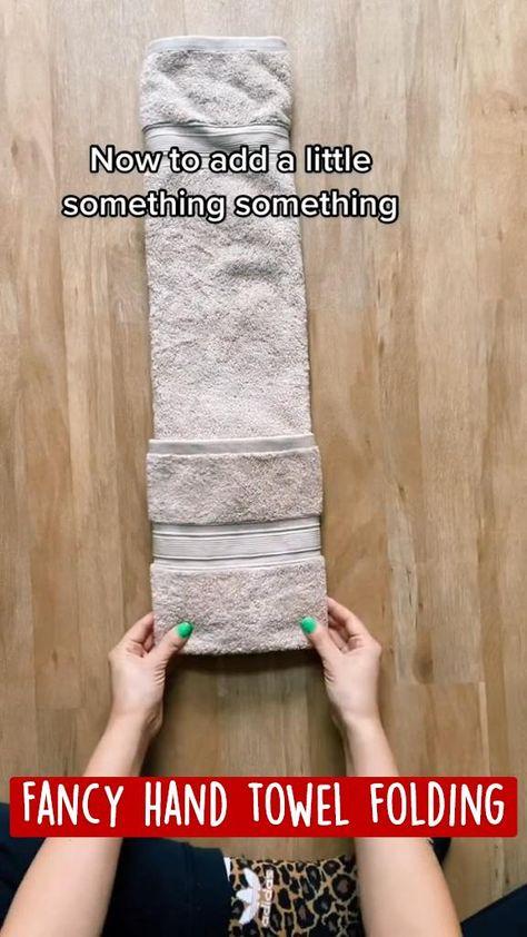 Fancy hand towel folding