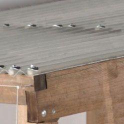 Une Couverture De Pergola Avec Des Plaques Transparentes Couverture De Pergola Pergola Couverte Pergola