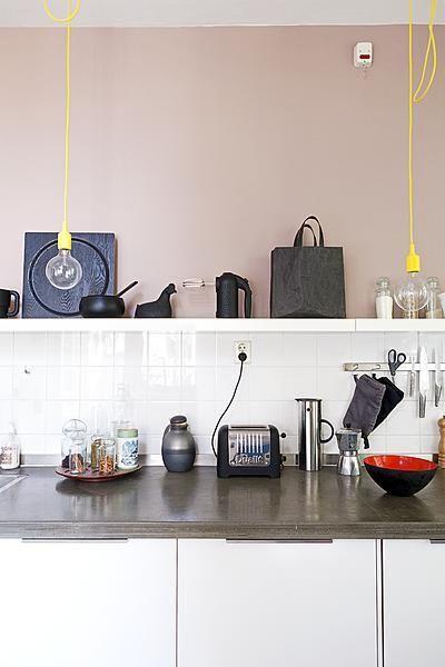 Kitchen with black and colour  Styling Frans Uyterlinde  Fotografie Jansje Klazinga