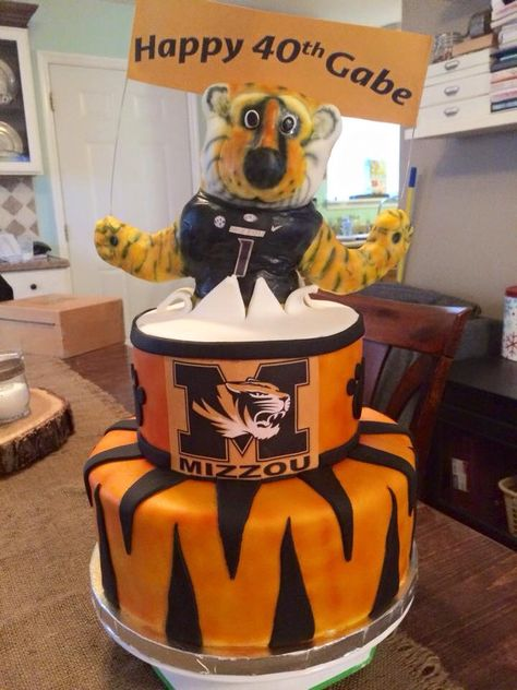 Centerpieces & Table Décor Tiger Cake Topper Truman ...