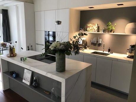 Mk Licht Wel Leuk Ook Leuk Nisje Verder Is Het Een Zaak In Den Bosch Met Goede Recensies Keukenblad Niet Mooi Evenals Eiland Keukens Keukenblad Keuken