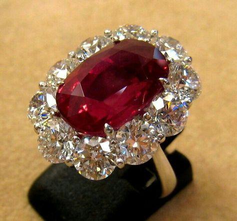 Bague rubis sertie de diamants