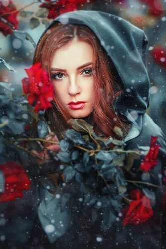 21 Portraits Of Most Beautiful Women With Flowers