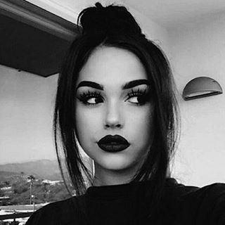 "137.7 mil curtidas, 725 comentários - Maggie Lindemann (@maggielindemann) no Instagram: ""old cause ur girl never takes selfies anymore"""