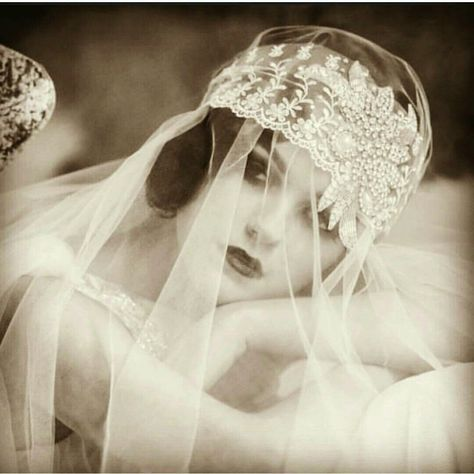 Gatsby inspired wedding headpiece and veil . Price reduced to  $100 and free shipping within the US.