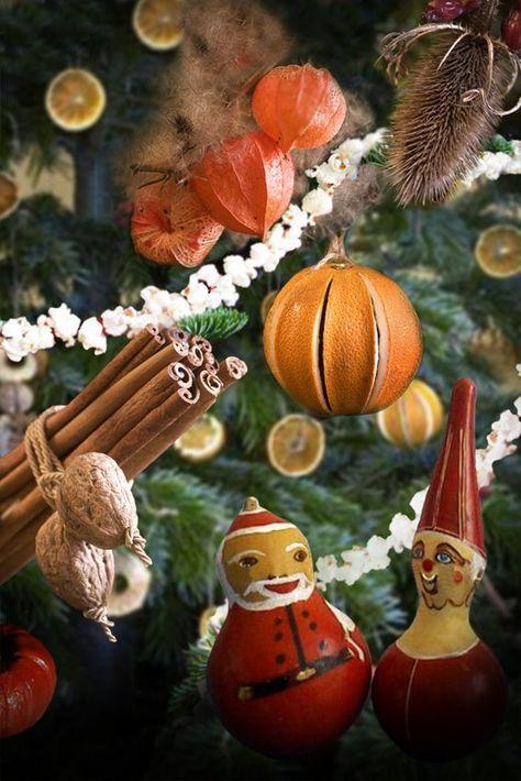 ornements sapin de Noël de bâtons de cannelle et gourdes décorées