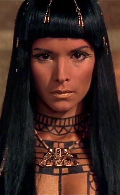 Patricia Velazquez as Anck Su Namun #egyptianmakeup Patricia Velazquez as Anck Su Namun