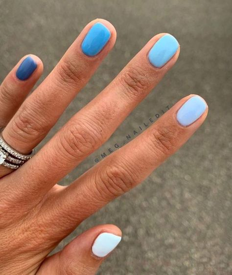 meg_nailedit I am loving color gradient manis! Picked out all colors in very denim vibes to 🔹🧵👖💙 Also has the most drool worthy nail beds, if you can believe it these nails are trimmed alllllllllll the way down 💦 thanks for the great pic! Gradient Nails, Pastel Nails, Glitter Nails, Rainbow Nails, Dark Nails, Holographic Nails, Stiletto Nails, Rainbow Pastel, Gold Nails