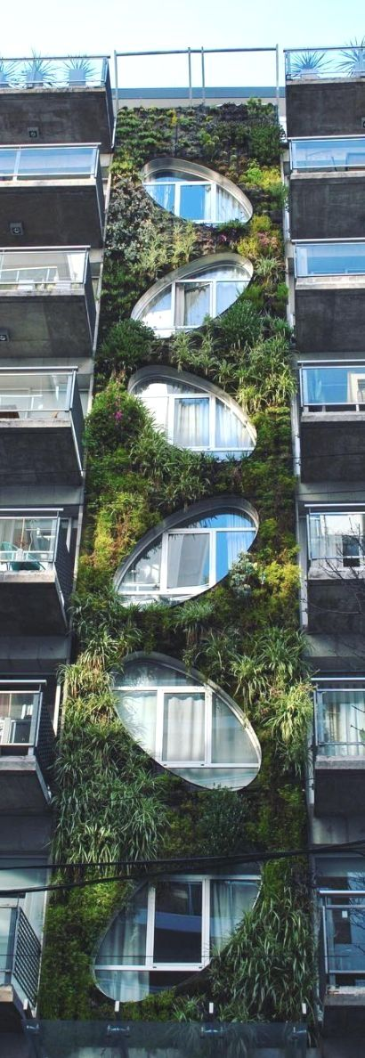 Un Jardín Vertical En Bulnes Y Las Heras Argentina Buenos Aires Tener Más Información En Nuestro Sitio Http Green Architecture Green Facade Vertical Garden
