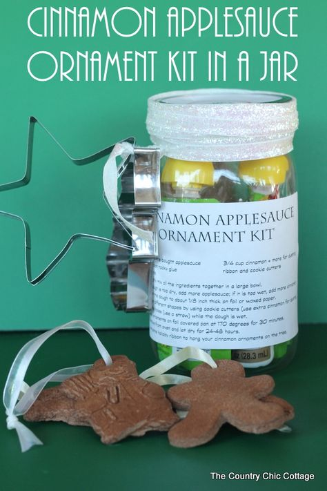 Cinnamon Applesauce Ornament Kit in a Jar -- everything you need to make cinnamon applesauce ornaments all in a jar!  Give this as a gift to anyone with kids for a fun holiday activity!  Perfect to give for Christmas!
