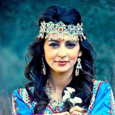 Algerian Berber Woman Of Kabylie Beauty Purple Love Arabian Beauty