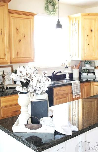 Easy Kitchen Decor And Decorating Ideas Farmhouse Kitchen Decor Wood Kitchen Cabs With Bla In 2020 Black Kitchen Countertops Kitchen Decor Modern Kitchen Counter Decor