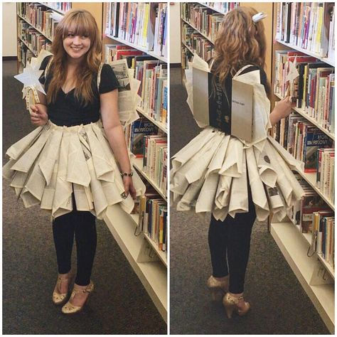 We love these literary Halloween costumes for teachers! From Elizabeth Bennet to The Very Hungry Caterpillar, youll find ideas for every grade level. Teacher Halloween Costumes, Halloween Kostüm, Halloween Outfits, Vintage Halloween, Halloween Makeup, Book Fairy Costume, Book Week Costume, Karneval Diy, Fancy Dress
