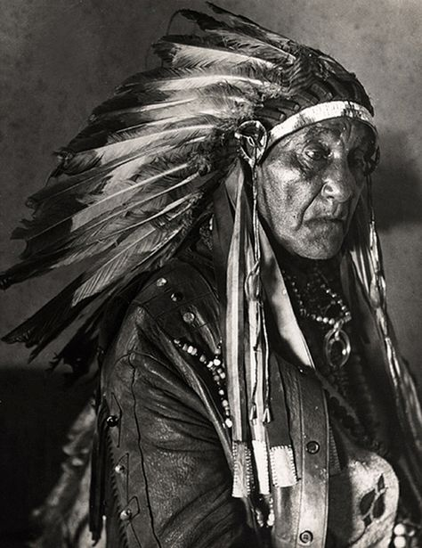 Chief White Horse Eagle, by E.O. Hoppe 1926