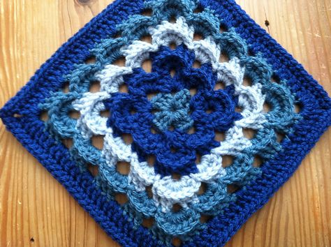"""Day 10: 12"""" Block of the Day - Yarn Clouds Square by Amelia Beebe   Free Pattern: http://www.crochetville.com/community/topic/126468-yarn-clouds-square-12hx12w-inches/  July 2013 #TheCrochetLounge #12inch #grannysquare Pick #crochet"""