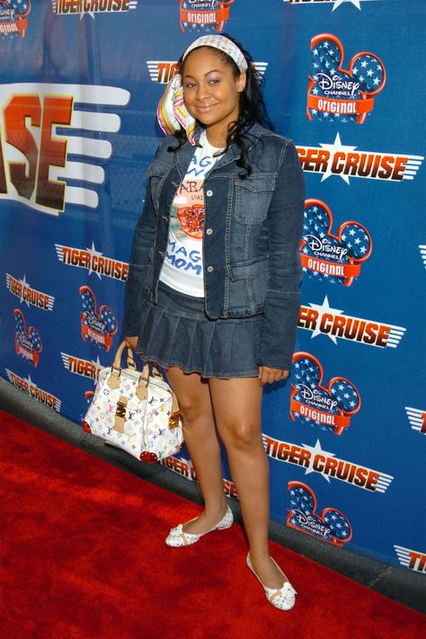 The 50 Craziest, Most Cringe-Worthy Outfits Celebrities Wore In The Early