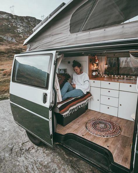 Unsere Morgendlichen Routinen Wenn Wir Mit Rudi Unterwegs Sind Sind So Entspannt Meistens Ist Ein Schnelles Fruhstuck Da In 2020 Van Life Van Campervan Interior
