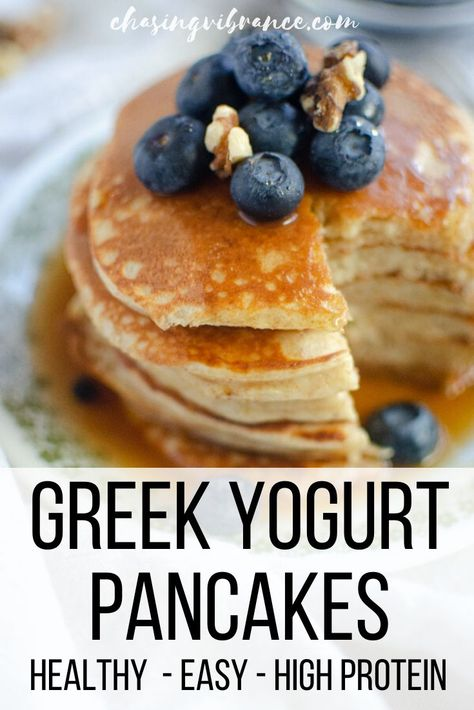 These easy Greek yogurt pancakes are the perfect homemade pancake recipe. Light fluffy made with whole grains high in protein and perfect for stacking - they taste with maple syrup and blueberries! Pancake Recipe With Yogurt, Greek Yogurt Pancakes, Healthy Pancake Recipe, Healthy Blueberry Pancakes, Protein Pancake Recipes, Blue Berry Pancakes, Recipes With Greek Yogurt, Baking With Yogurt, Pancake