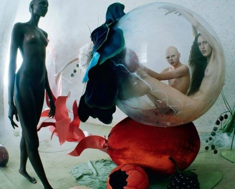 Tim Walker pays homage to Hieronymus Bosch in his incredible new editorial for Love Magazine's Spring 2016 issue. If you're not familiar with Bosch and his Tim Walker Photography, Glamour Photography, Editorial Photography, Art Photography, Lifestyle Photography, Extreme Photography, Narrative Photography, Fashion Photography, Dreamy Photography
