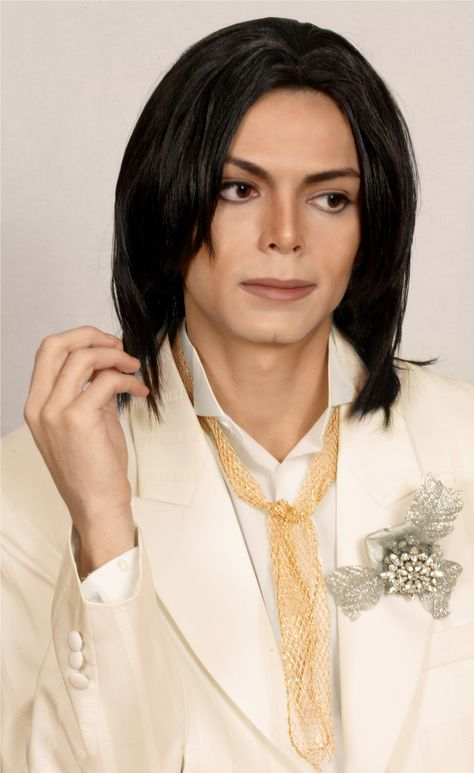 PINNED FROM https://www.pinterest.com/pin/307652218269562793/  Sergio Cortes ( Michael Jackson Impersonator)